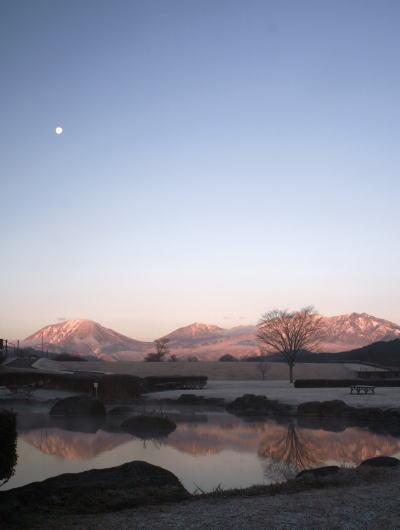20,12,15 十六夜の月と連山朝焼け@池1ー1b.jpg
