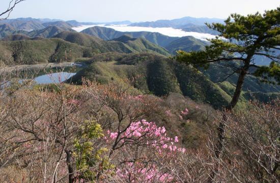 20,5,4 月山頂上の眺めb.jpg