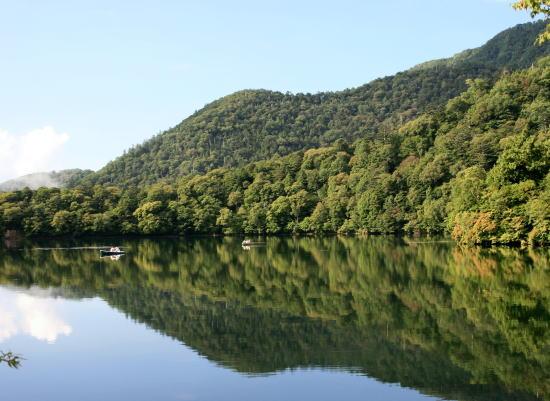 20,9,7 湯の湖鏡面3b.jpg