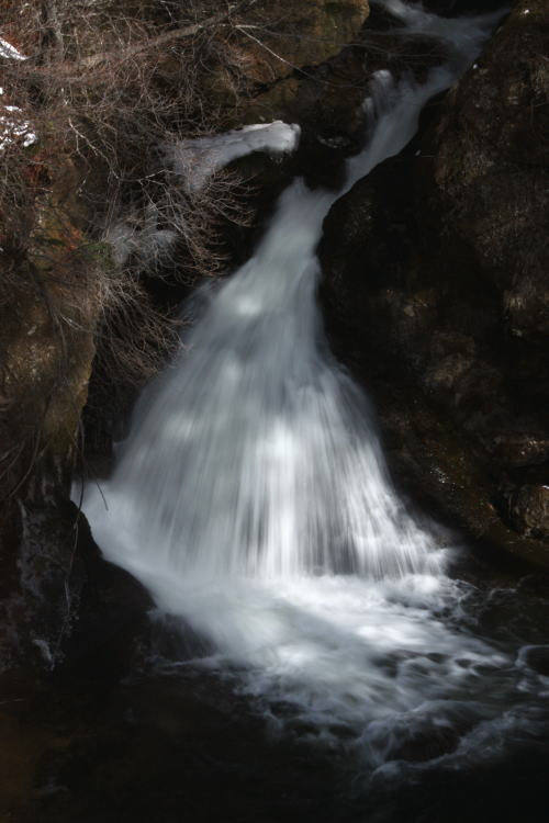 21,4,4 早春の竜頭の滝 1-3b.jpg