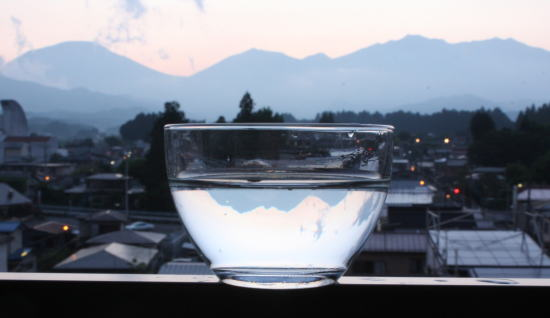 21,6,1 グラスの中の連山 3-4b.jpg