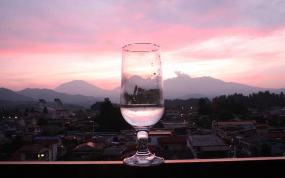 21,6,25 グラスの中の連山 2-8b.jpg