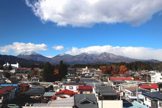 28,11,28 冠雪連山と紅葉1-4-1b.jpg