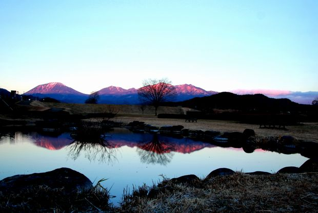 28,12,07日の出の連山鏡像2-5b.jpg