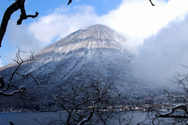 28,3,12 男体山の霧氷3-2b.jpg