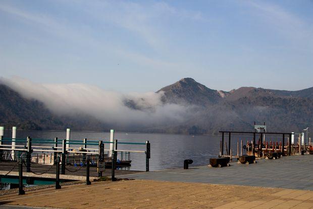 28,5,3 中禅寺湖の不思議な霧1-1b.jpg
