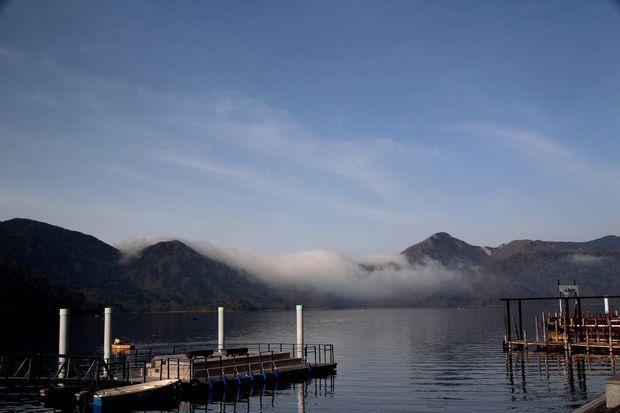 28,5,3 中禅寺湖の不思議な霧1-2b.jpg