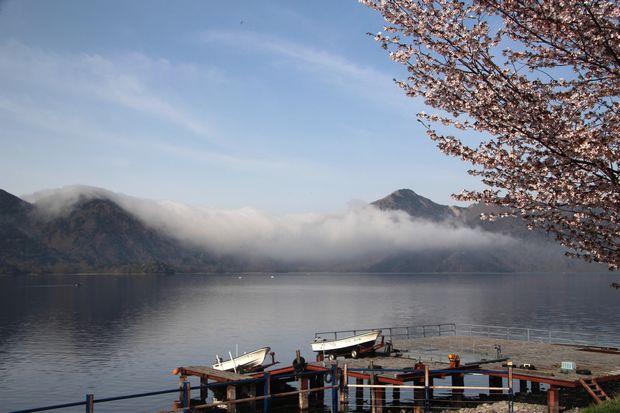28,5,3 中禅寺湖の不思議な霧1-7b.jpg