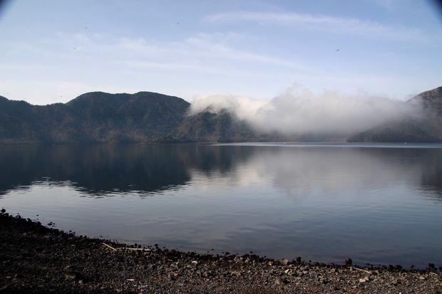 28,5,3 中禅寺湖の不思議な霧2-5b.jpg