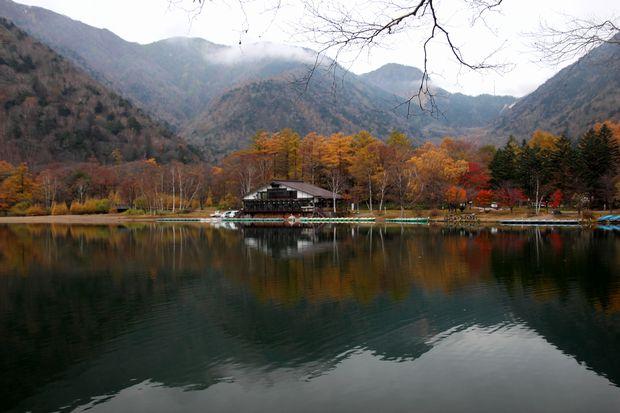 29,10,28 湯の湖晩秋2-3b.jpg