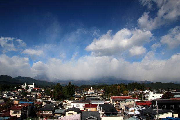 29,10,30雨後の連山と虹1-1b.jpg