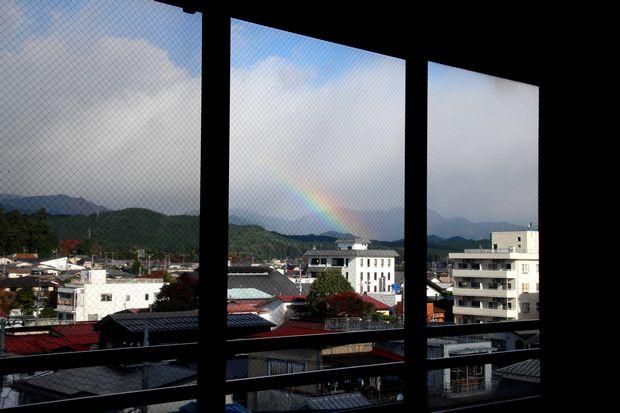 29,10,30雨後の連山と虹1-8b.jpg