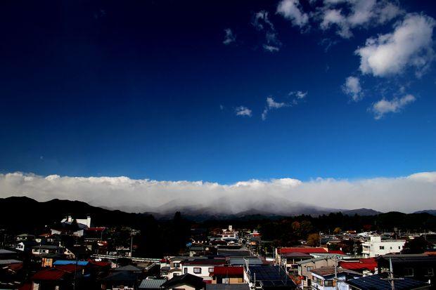 29,10,30雨後の連山と虹2-4b.jpg