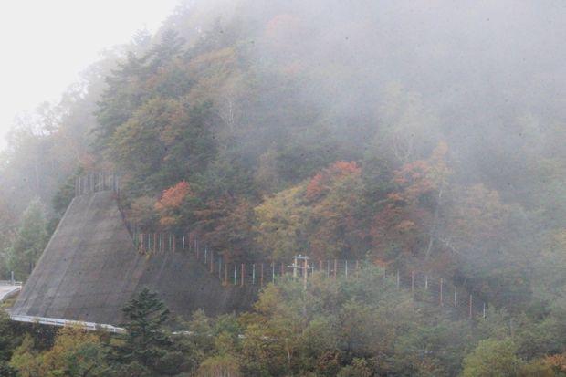 29,10,7 雲と紅葉2-6b.jpg