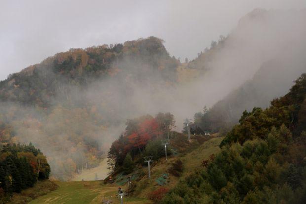 29,10,7 雲と紅葉5-2b.jpg