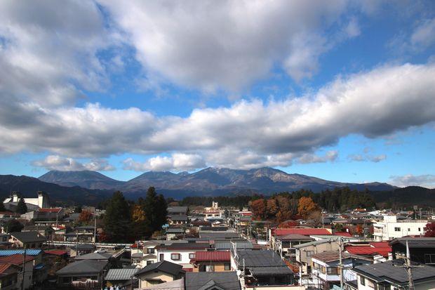 29,11,21冠雪連山と紅葉2-3b.jpg