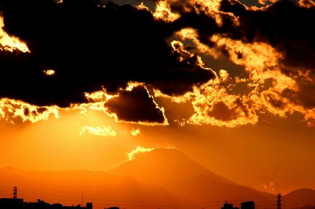 29,11,24火を噴く黒富士1-6b.jpg