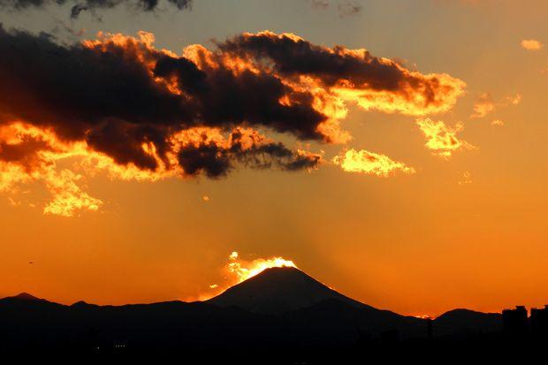 29,11,24火を噴く黒富士3-9b.jpg