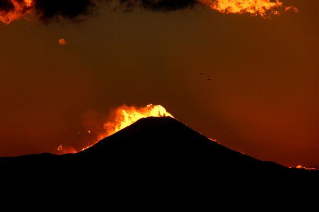 29,11,24火を噴く黒富士4-1b.jpg