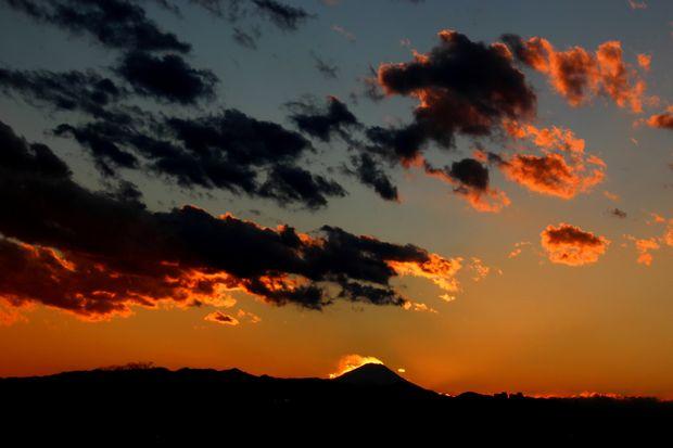 29,11,24火を噴く黒富士4-5b.jpg