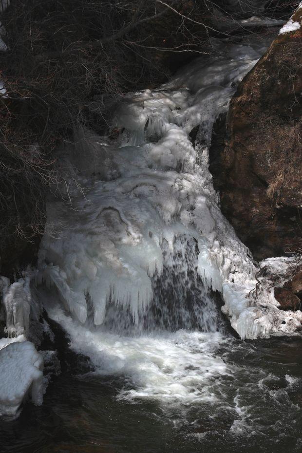 29,3,12竜頭の滝1-6b.jpg