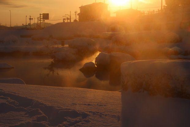 30,1,23大雪の大谷川河川敷日の出2-5b.jpg