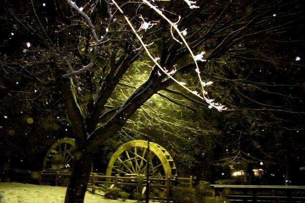 30,2,22雪降る夜に1-5b.jpg