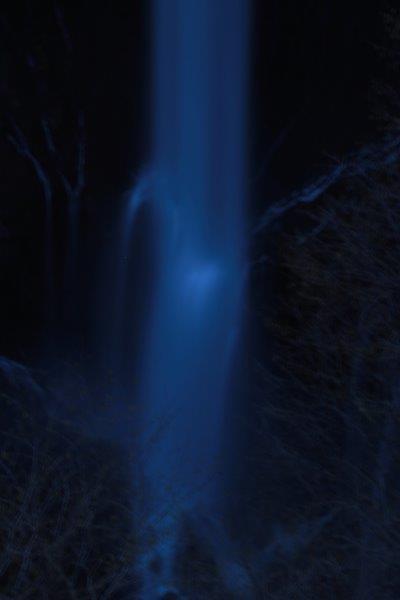 27,5,1 夜の華厳の滝1-5.jpg
