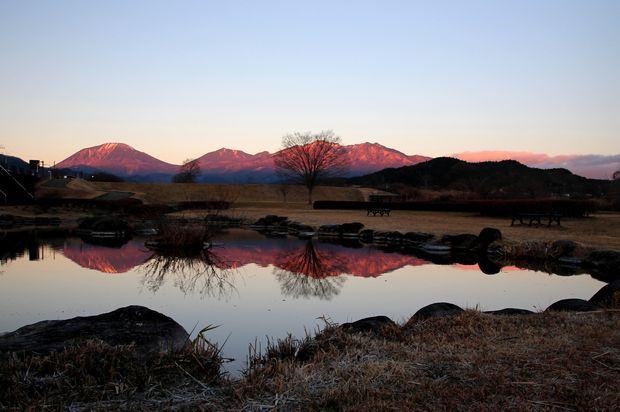 28,12,07日の出の連山鏡像2-8b.jpg