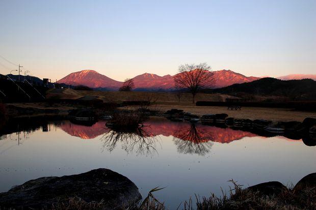 28,12,07日の出の連山鏡像3-2b.jpg