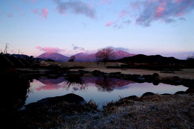 28,12,08日の出の連山鏡像2-9b.jpg
