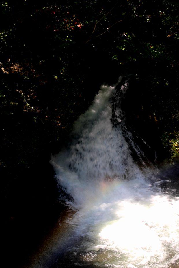 29,9,24竜頭の滝の虹1-3b.jpg