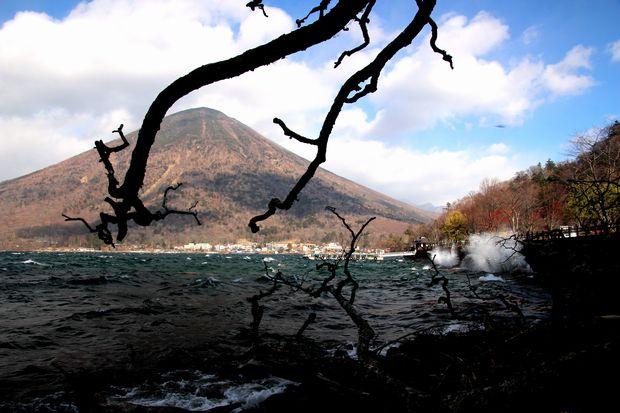 30,12,1 男体山 嵐の朝3-4b.jpg