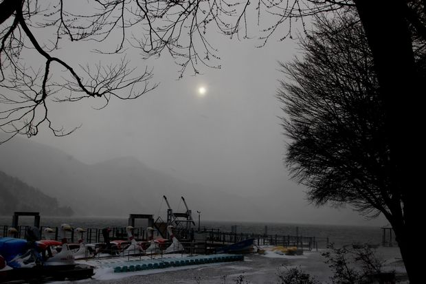 30,12,29 吹雪の向こうの太陽2-2b.jpg