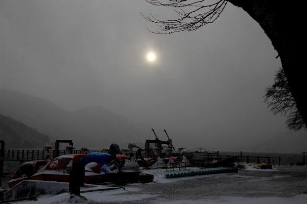 30,12,29 吹雪の向こうの太陽2-3b.jpg