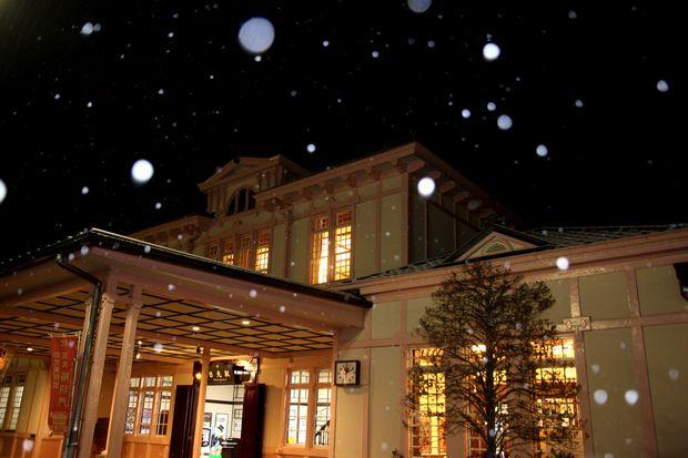 31,2,9 吹雪のJR日光駅1-b.jpg